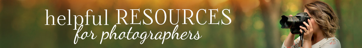Photographers: Find free tutorials, products, and services for photographers all in one place with this list of helpful resources for photographers!